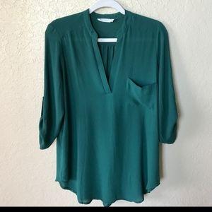 ♦️3/$25 Lush V Neck Button Sleeve Pocket Shirt S